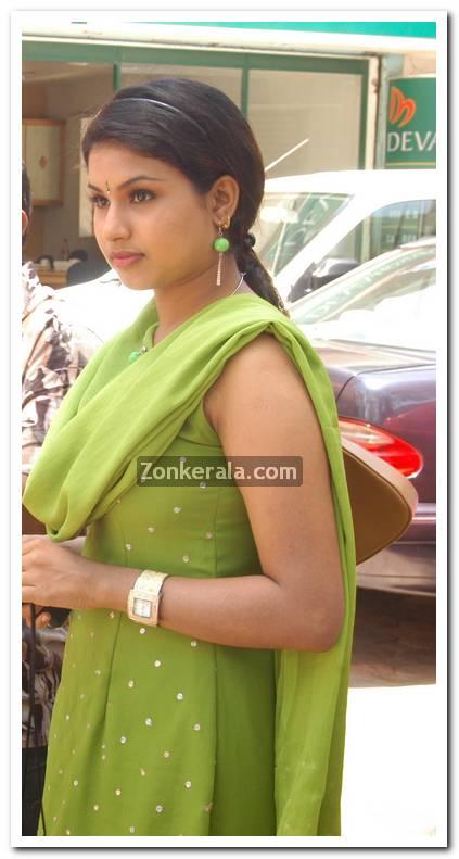 Malayalam Actress Maithili 1