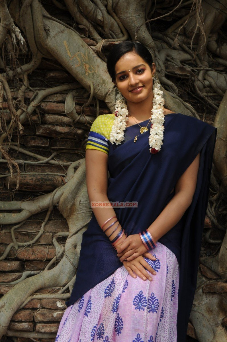 Actress Malavika Menon 3419