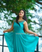 Malavika Menon Cinema Actress Albums 949