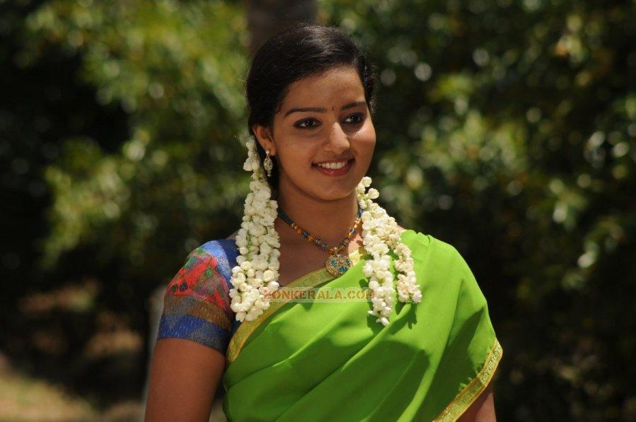 Malayalam Actress Malavika Menon 5909