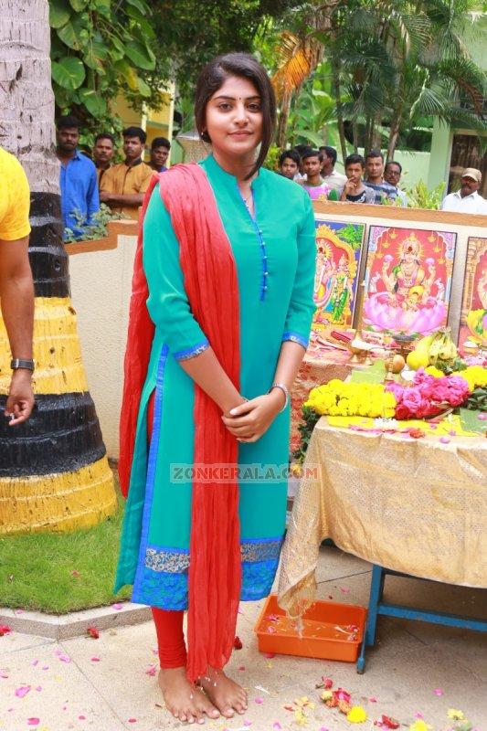 Actress Album Manjima Mohan New 659