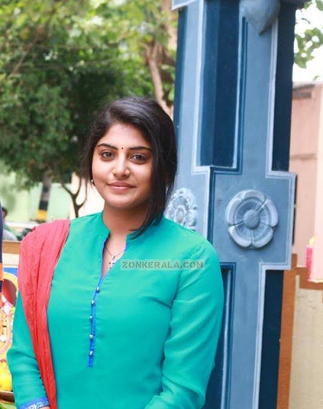 Actress Pic Manjima Mohan New 511
