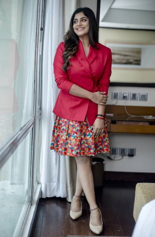 South Actress Manjima Mohan New Stills 5115