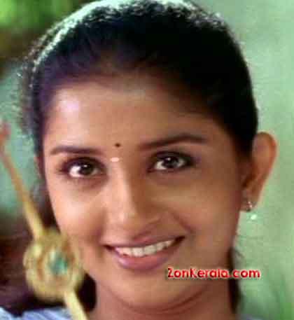 http://www.zonkerala.com/movies/actresses/meera-jasmine/meera-jasmine-0053.jpg
