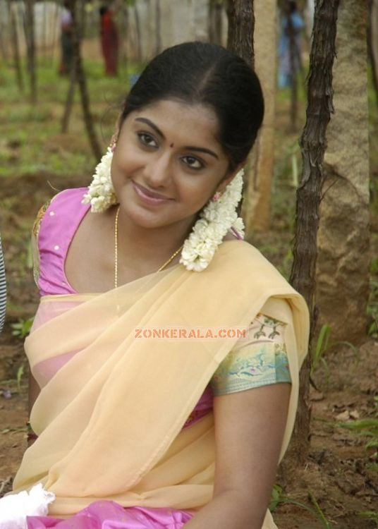 Actress Meera Nandan 8516