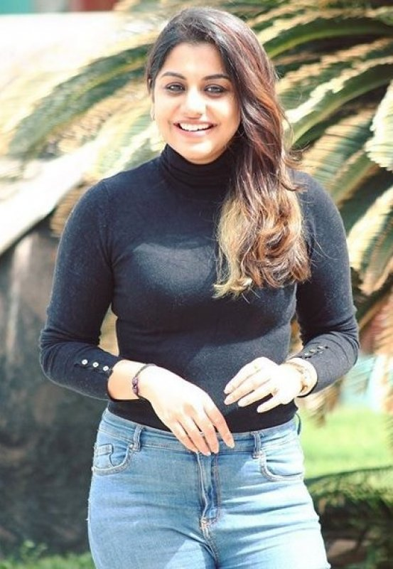 New Still Cinema Actress Meera Nandan 8130