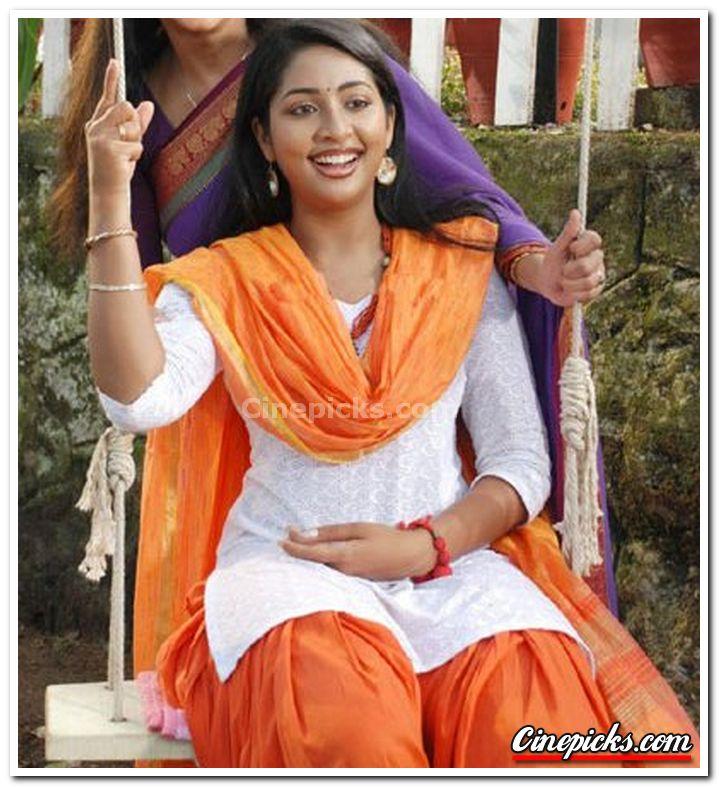 Malayalam Movies Actress Navya Nair