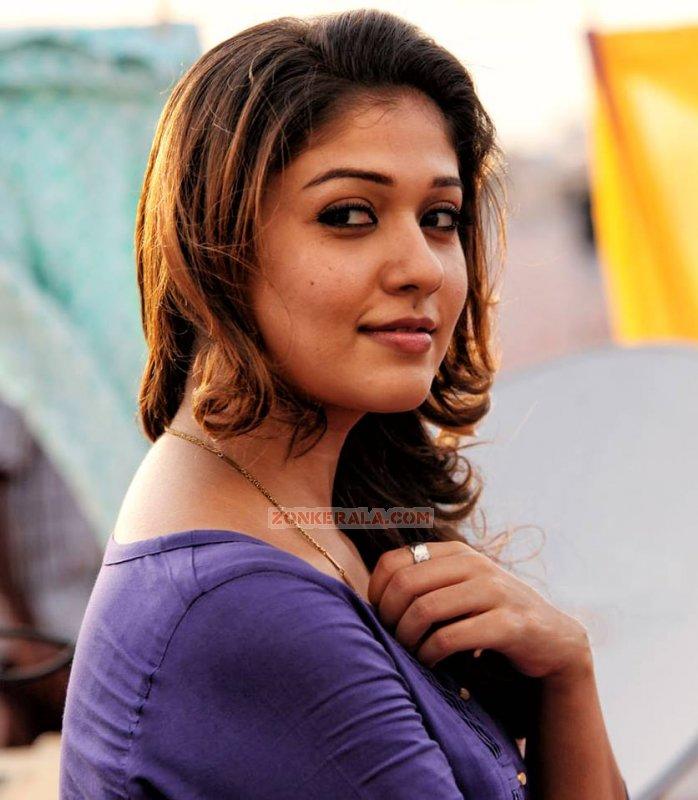 Gallery Malayalam Movie Actress Nayanthara 1606