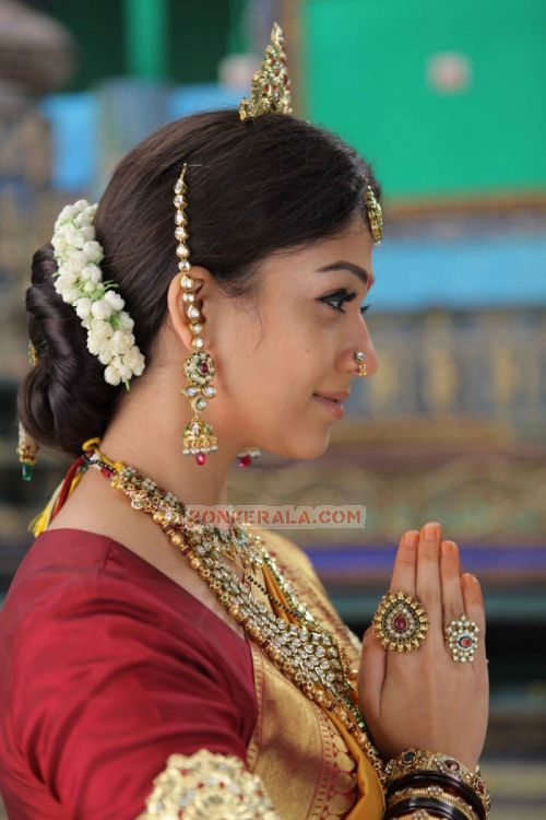 Nayantara Photo 18
