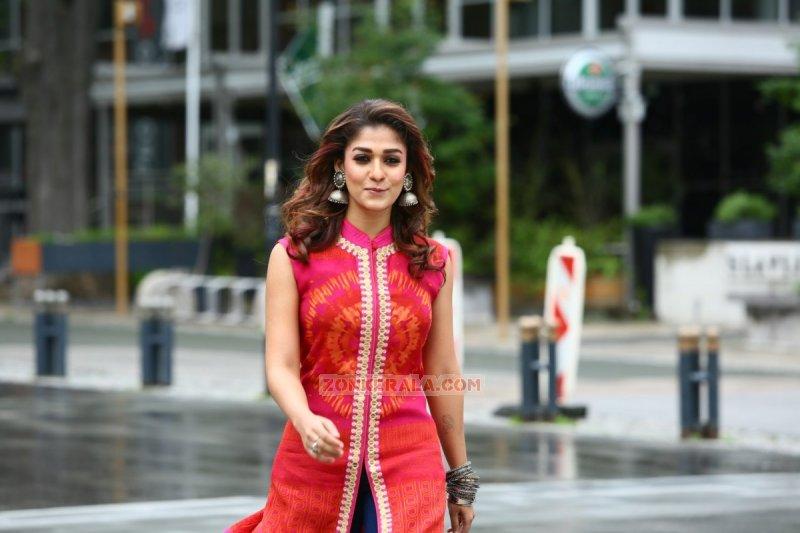 Nayanthara Cinema Actress 2016 Pics 1172