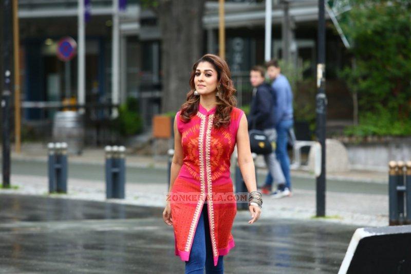 Nayanthara South Actress Pics 6195