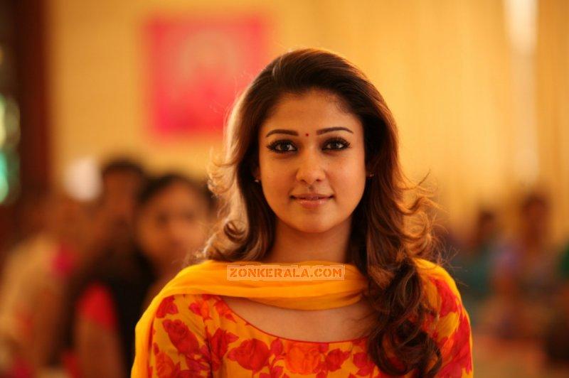 New Wallpapers Film Actress Nayanthara 8918