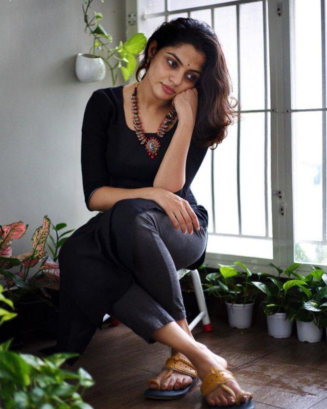 Actress Nikhila Vimal New Photos 9848