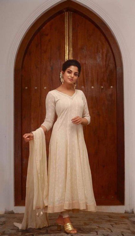 Album Film Actress Nikhila Vimal 6409