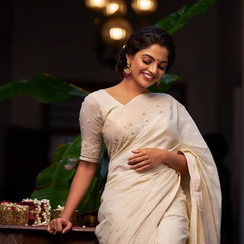 Cinema Actress Nikhila Vimal 2020 Pics 1029