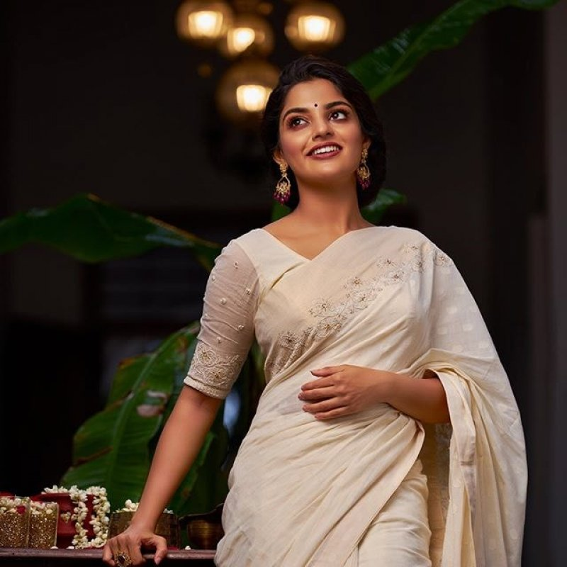 Latest Images Actress Nikhila Vimal 5619