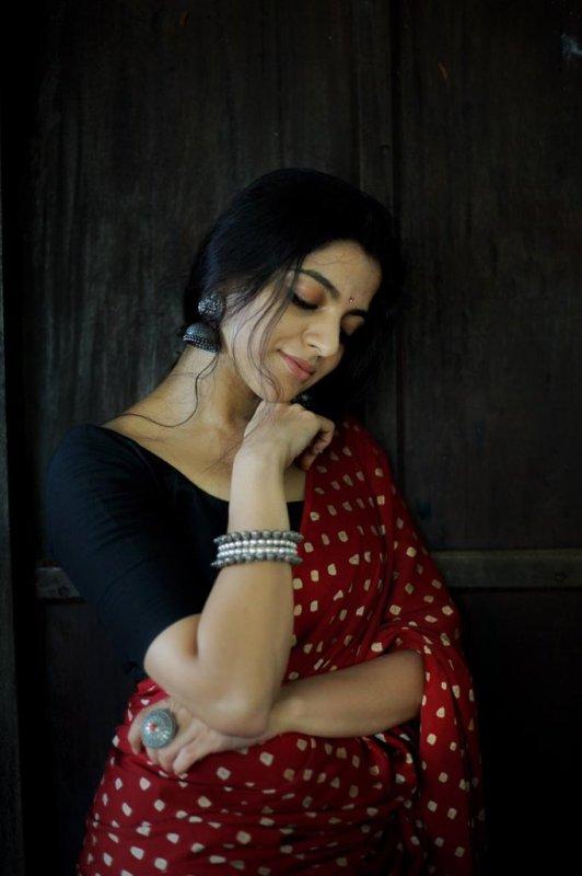 Nikhila Vimal Indian Actress Recent Album 8917