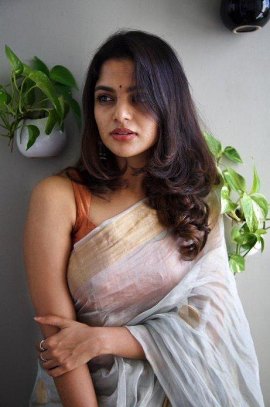 Nikhila Vimal Latest Pictures 4422