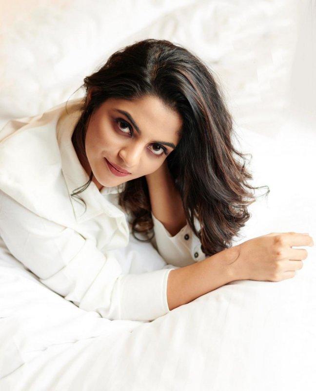 Nikhila Vimal Malayalam Movie Actress 2020 Wallpapers 9167