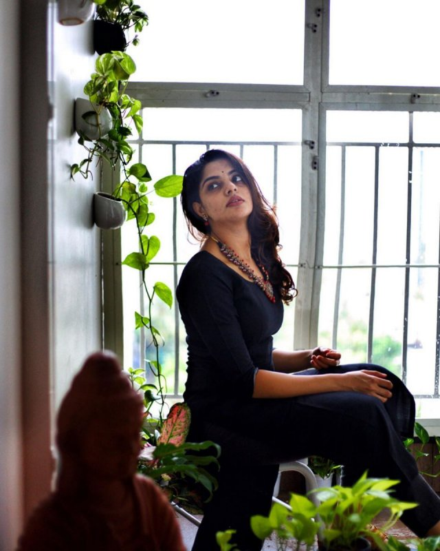 Nikhila Vimal Movie Actress 2020 Gallery 3626