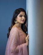 Photo Film Actress Nikhila Vimal 6106