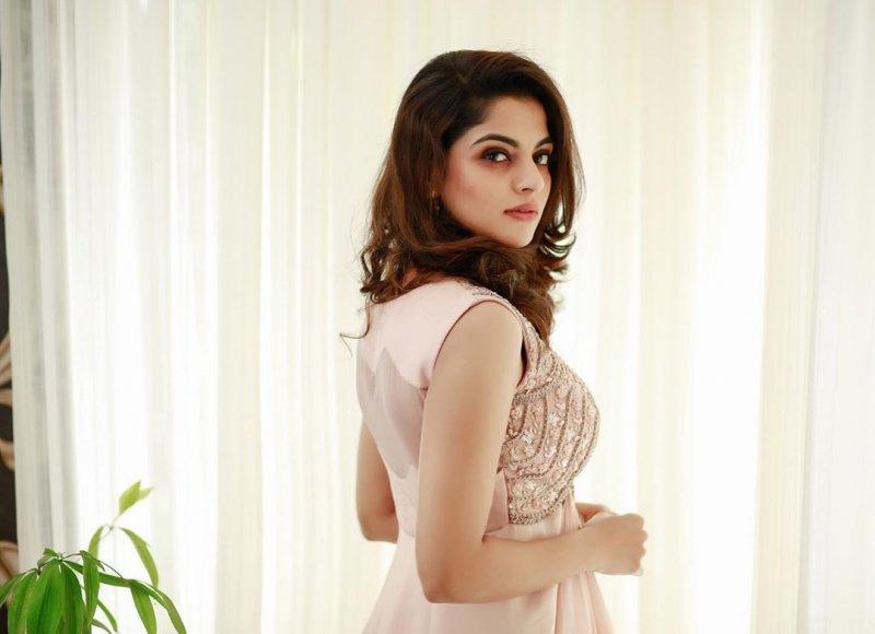 Recent Picture Heroine Nikhila Vimal 5534