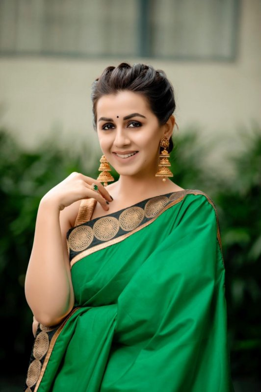 New Photo Movie Actress Nikki Galrani 3188