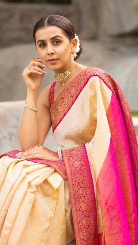 Recent Picture Malayalam Actress Nikki Galrani 2909