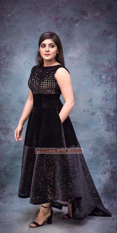 Pics Niveda Thomas Malayalam Actress 2222