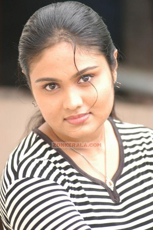 Actress Nivya 5318