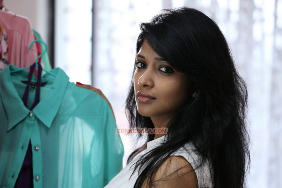 Actress Nyla Usha 8795