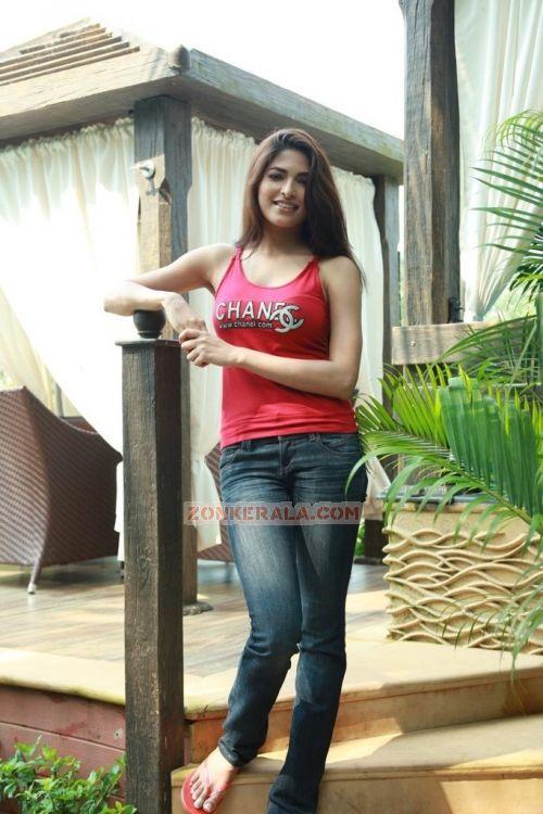Malayalam Actress Parvathy Omanakuttan 7710