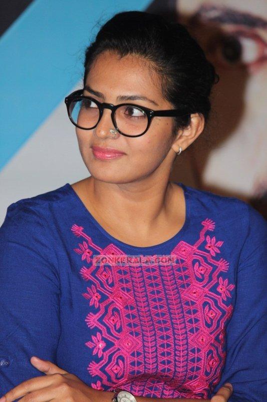 Parvathy Thiruvoth Malayalam Movie Actress New Pics 4155