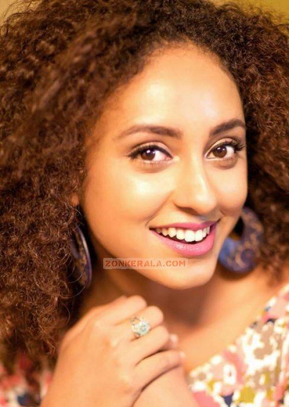 Still Malayalam Movie Actress Pearle Maaney 462
