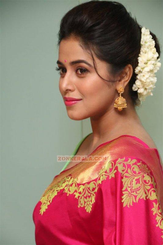 2016 Pic Poorna Malayalam Movie Actress 5054