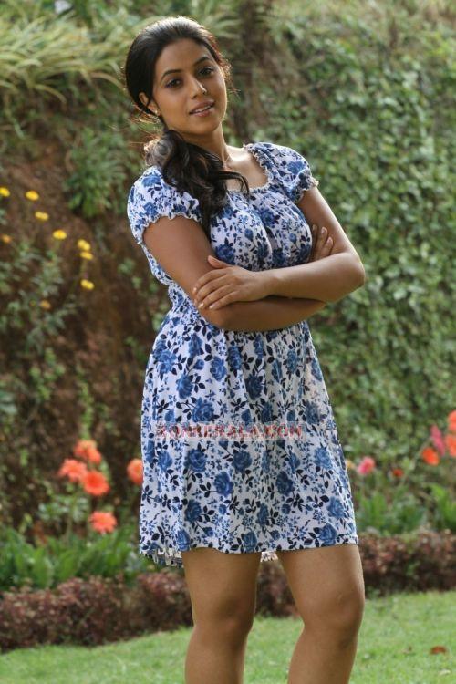 Actress Poorna 2473
