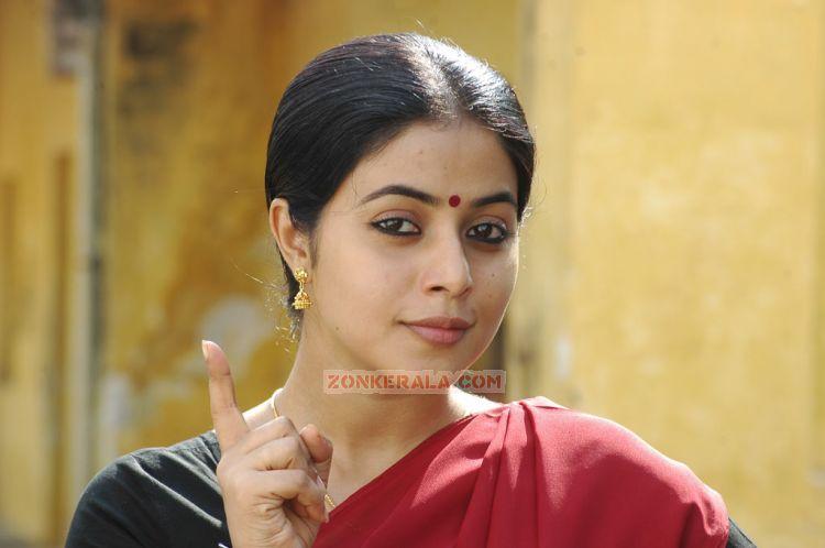 Malayalam Actress Poorna Stills 2678