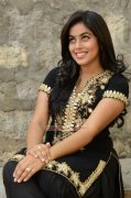 Malayalam Actress Poorna Wallpapers 1233