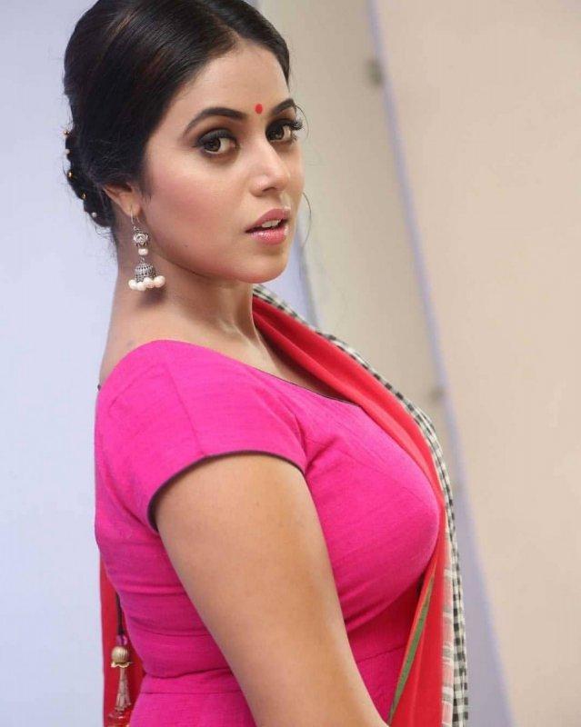 New Photos South Actress Poorna 653