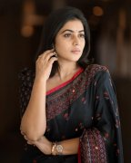 Photo Poorna Film Actress 9392