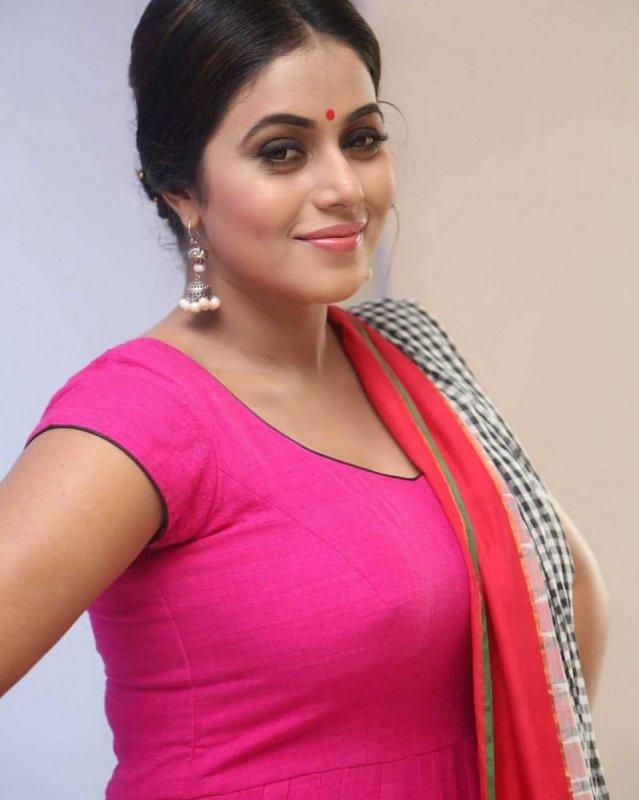 Poorna Cinema Actress Recent Pics 8912