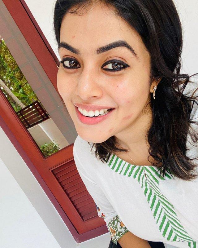 Poorna Malayalam Movie Actress Albums 4352