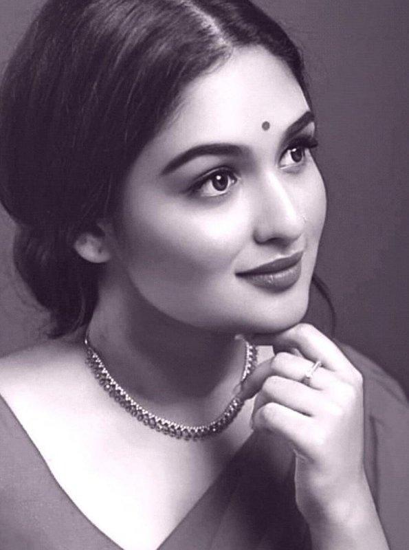 Still Prayaga Martin Malayalam Actress 5720