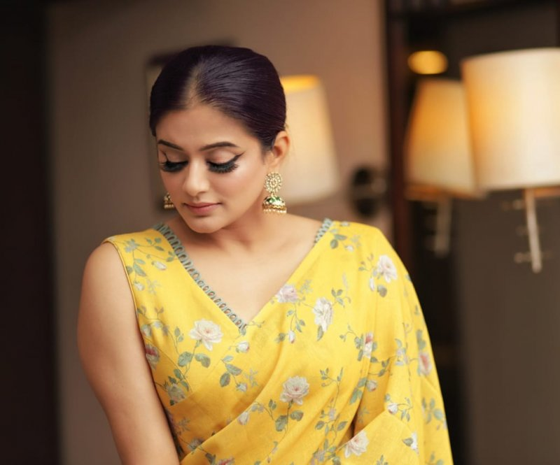 Actress Priyamani Latest Wallpapers 5921