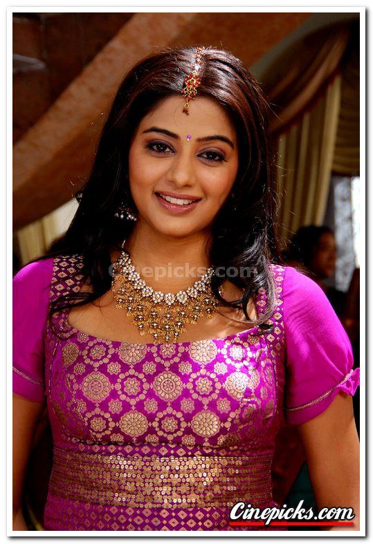 Actress Priyamani Still 03