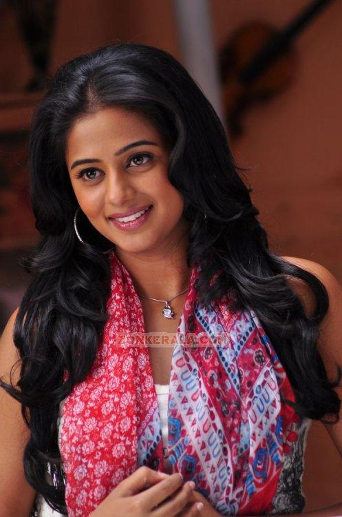 Malayalam Actress Priyamani 3447