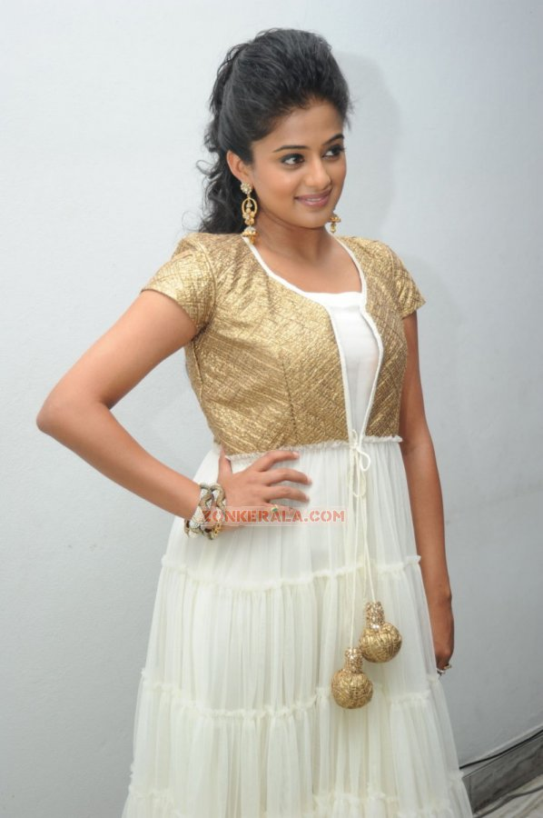 Malayalam Actress Priyamani 3710