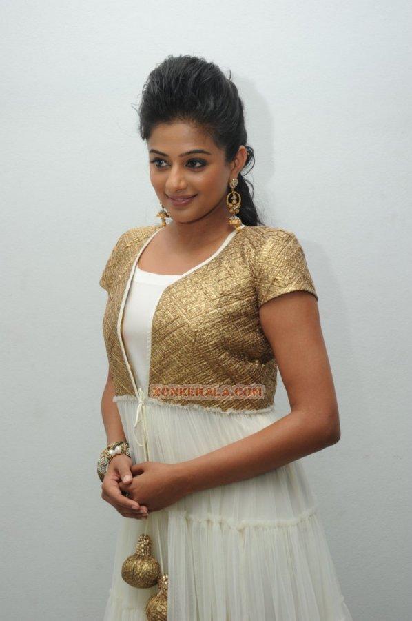 Malayalam Actress Priyamani Photos 3475
