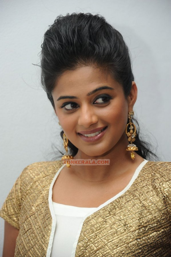 Malayalam Actress Priyamani Photos 7386