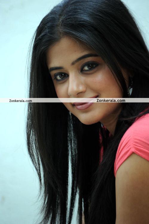 Priyamani Pictures 08